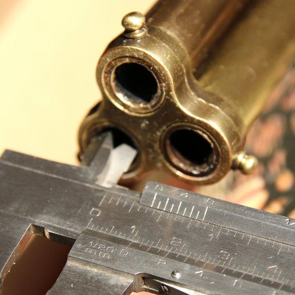 Pistole s křesadlovými zámky a třemi otáčivými hlavněmi, r. 1775
