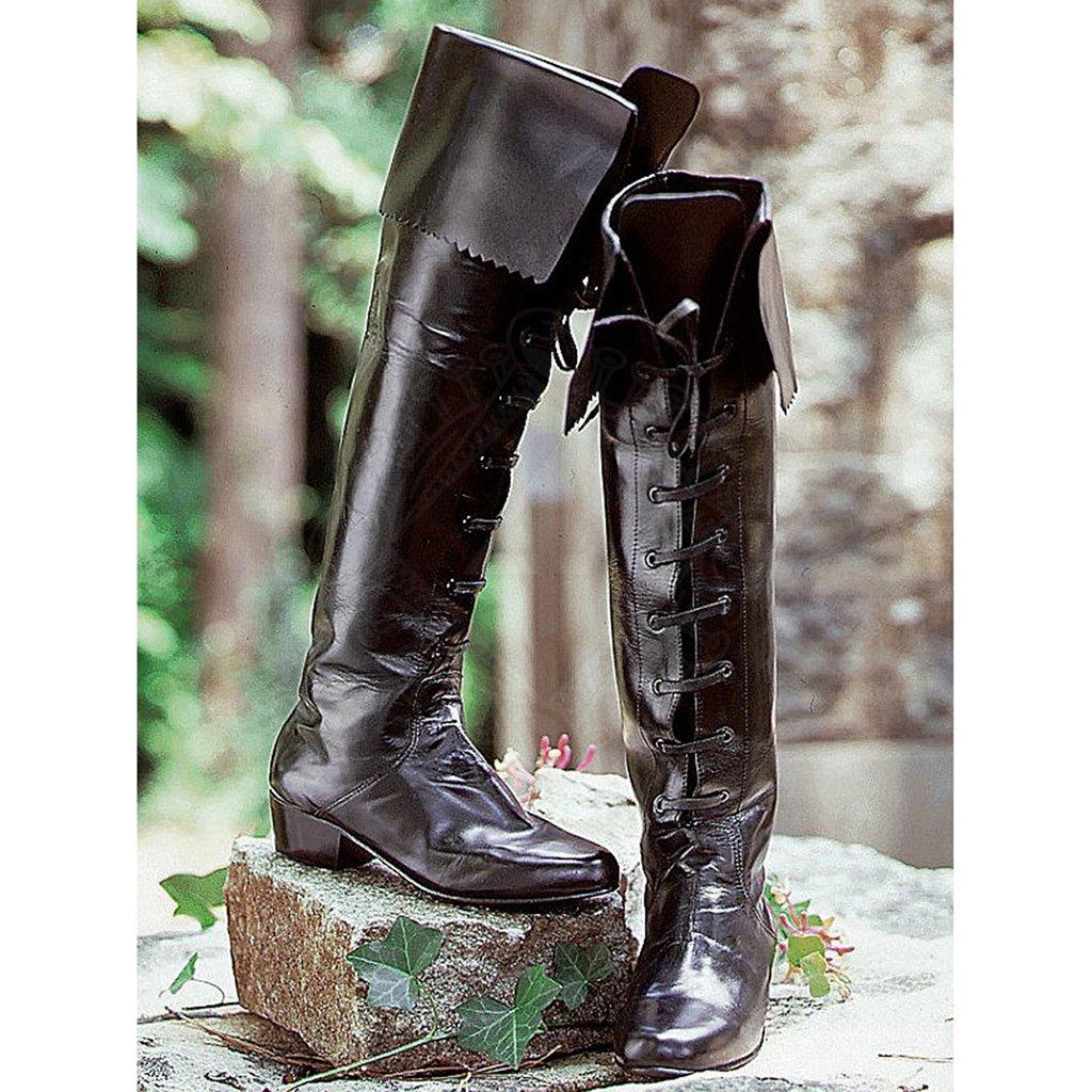 Nejvýraznější detailem po kolena vysokých kožených bot je ozdobná šňůra df52262f95