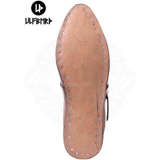 09c7e5a4a40 ... Středověké páskové boty
